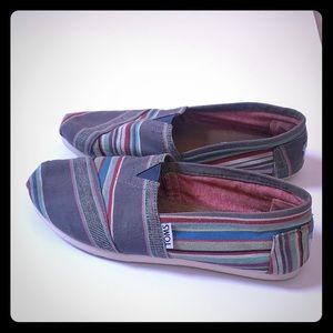 2x$20- Toms striped shoes